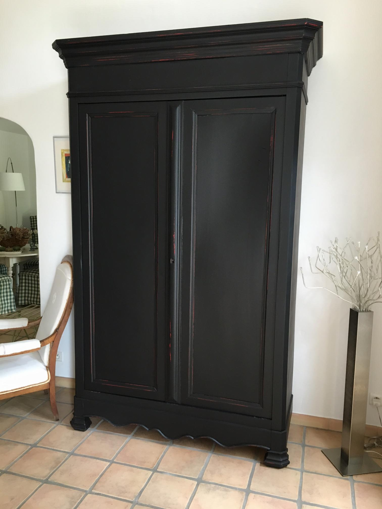r alisations une armoire de famille et pourqui pas en. Black Bedroom Furniture Sets. Home Design Ideas