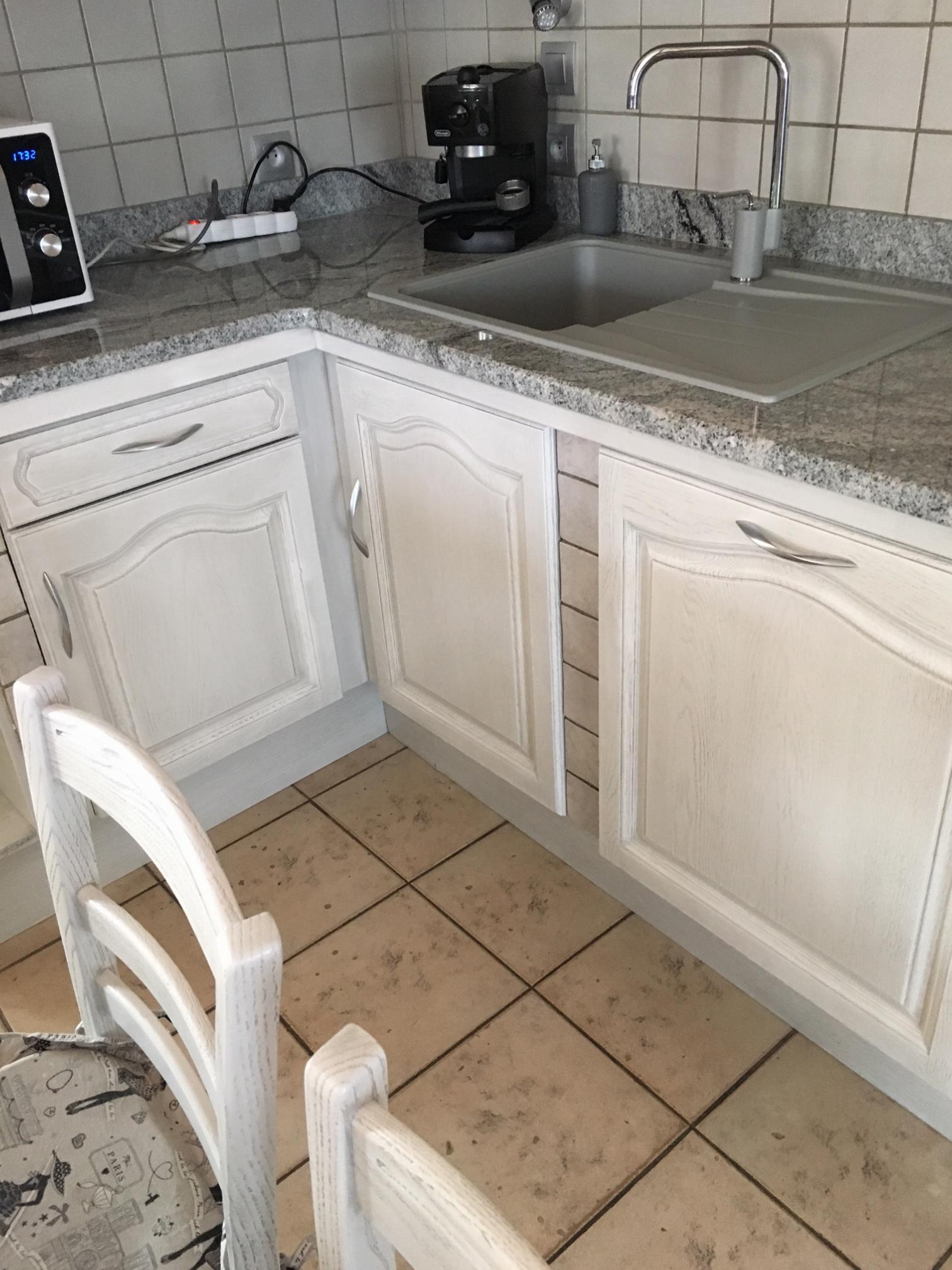 R alisations portes de cuisine relook es en blanc et Renovation cuisine plan de travail