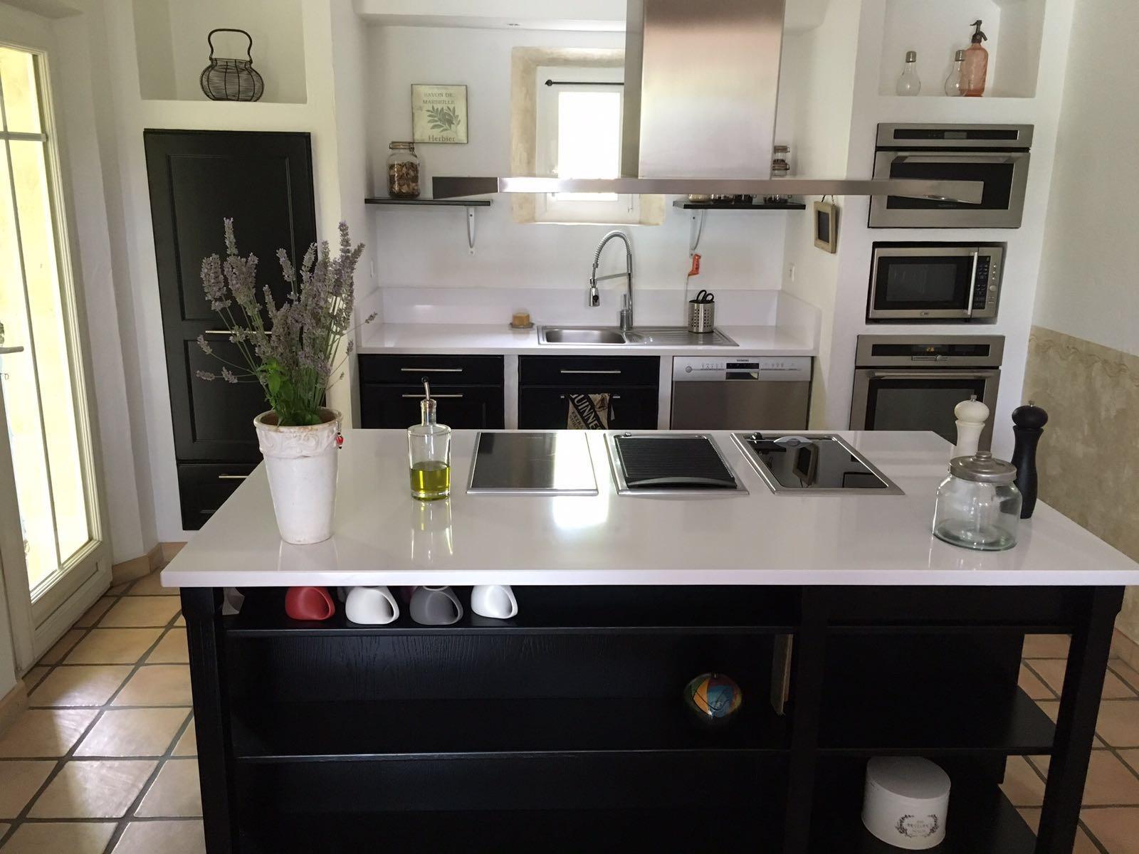 Realisations Relookage Cuisine Noir Laque Le Plan De Travail En Quartz Blanc J Adore Pelissanes